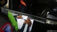 Polisi Tegur Pemobil Coba Masuk Rangkaian Wapres di Exit Tol Semanggi