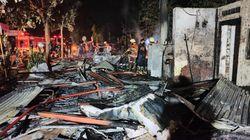 Tiga Warung Makan dan Mobil di Tulungagung Ludes Dilalap Api