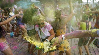 Tak Hanya India, Ukraina Juga Gelar Festival Holi Lho