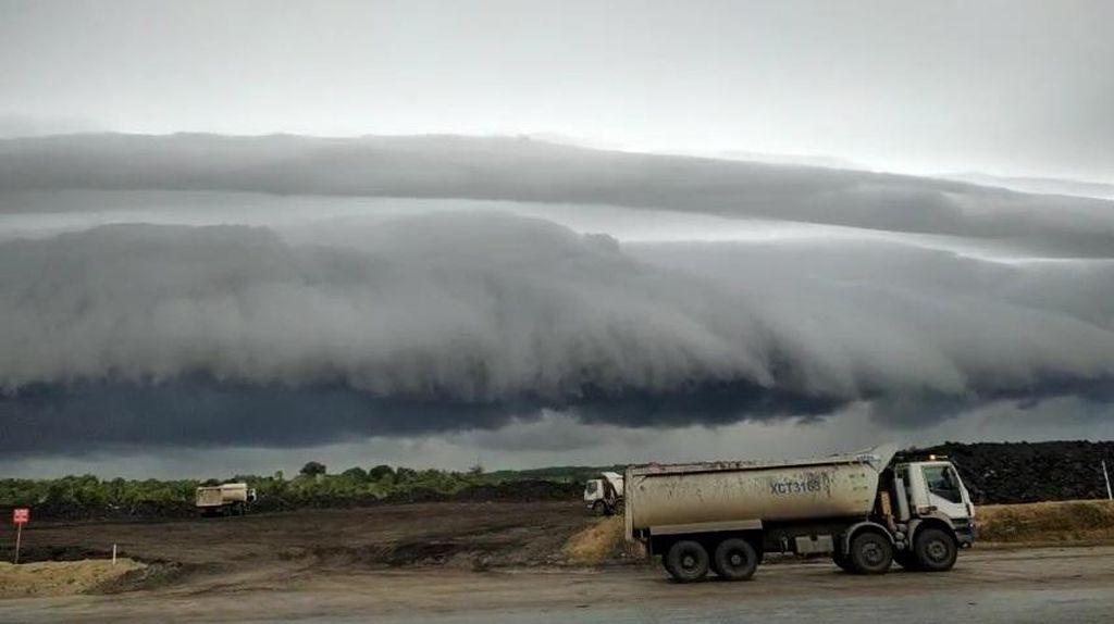 5 Fakta Ilmiah Fenomena Awan Tsunami di Aceh