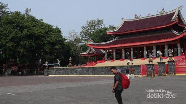 Wisata Semarang: Klenteng Sam Poo Khong