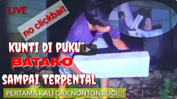 Ada-ada saja tingkah netizen Indonesia, termasuk aksi mereka di jagat dunia maya seperti YouTube. Bukan video yang mainstream seperti vlog kuliner atau jalan-jalan, momen gebuk setan memakai panci atau batako justru dilakukan oleh para YouTuber pemberani ini.