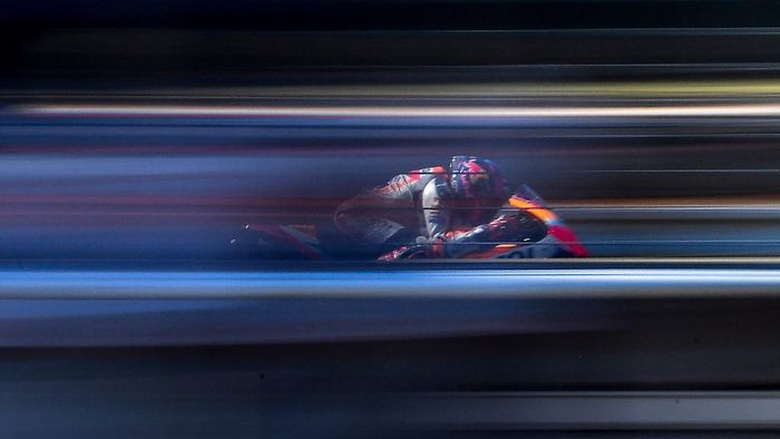 Repsol Honda Teams Spanish rider Alex Marquez rides his bike during the third training session of the Moto GP Czech Grand Prix at Masaryk circuit in Brno on August 8, 2020. (Photo by JOE KLAMAR / AFP)
