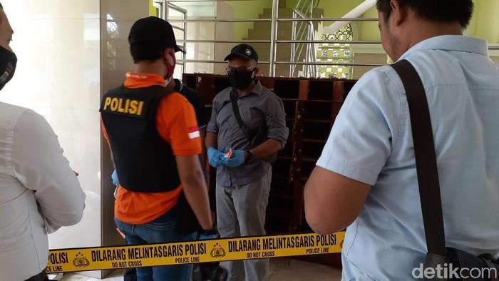 Benda mencurigakan di Masjid UNY, Selasa (11/8/2020).