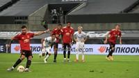 MU Vs Copenhagen: Gol Penalti Fernandes Bawa Setan Merah ke Semifinal