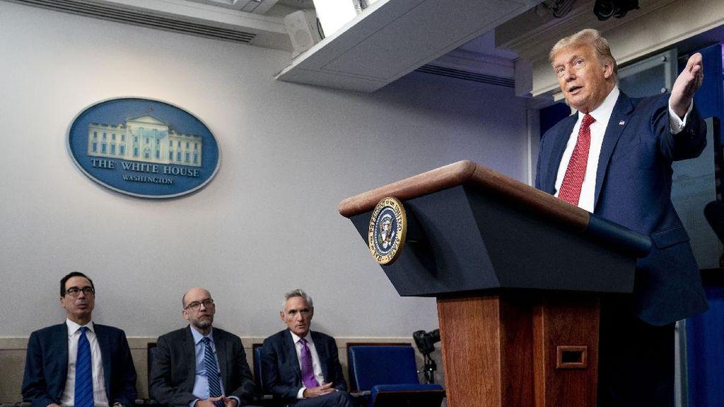Ada Penembakan di Luar Gedung Putih, Trump Dibawa ke Bunker?