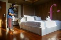 Pandemi membuat sebagian turis atau ekspatriat harus bertahan lebih lama di Bali. Dan, Fashion Hotel Legian menerima tamu yang tinggal berbulan-bulan di kamarnya.