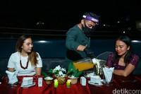Suasana dinner di Fashion Hotel Legian. Tamu lain yang menginap di sini adalah warga Bali hingga Jawa Timur yang ingin merasakan staycation.