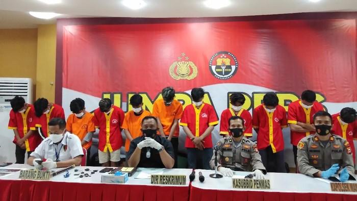Polisi tangkap 17 anggota geng motor di Makassar, Sulawesi Selatan.
