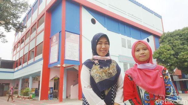 Guru SD Nasional Plus Tunas Iblam Depok Mengajar Pakai Green Screen