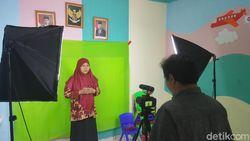 SD di Depok Bikin Video Green Screen untuk Belajar Online