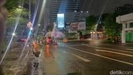 Seluruh Kawasan Surabaya Hujan Deras di Musim Kemarau