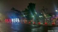 Hujan di Surabaya Saat Musim Kemarau karena Gangguan Gelombang Rossby