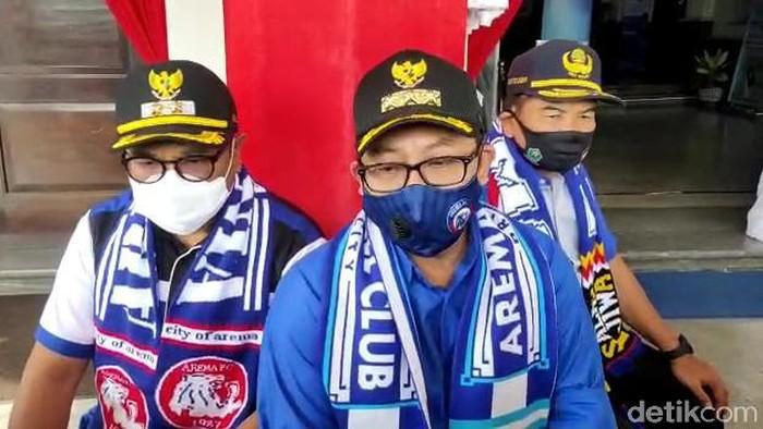 Hari ini Arema FC genap berusia 33 tahun. Ucapan selamat serta doa terus mengalir di HUT klub sepak bola kebanggaan warga Malang Raya ini.