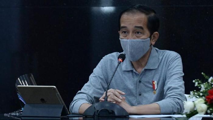 Presiden Jokowi menggelar rapat penanganan COVID-19 di Jabar.
