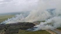 Karhutla di Dekat Tol Palembang-Indralaya, 3 Heli Bom Air Dikerahkan