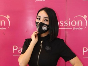 Pertama di Indonesia, Ada Masker Kain Berhias Berlian Seharga Rp 10 Juta