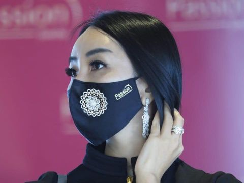 Masker berlian dari Passion Jewelry