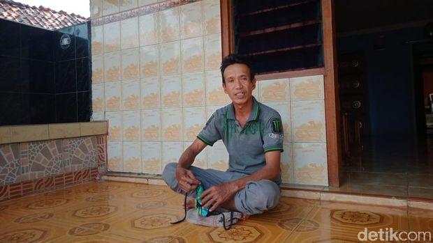 Mugiono, pemulung yang menemukan benda mencurigakan diduga bom buku di Wonogiri, Selasa (11/8/2020).