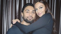 Istri Aktor Ngaku Diselingkuhi Suami Saat Hamil, Minta Cerai Tapi Ditolak