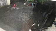 Permukiman di Lenteng Agung Sempat Banjir 30 Cm Saat Hujan Deras