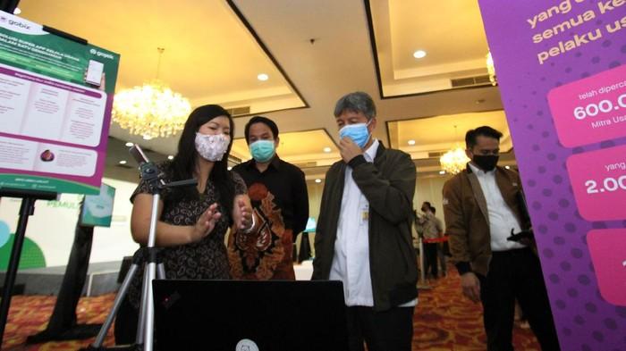 Diskusi dan peluncuran inisiatif #MelajuBersamaGojek digelar di Gedung Smesco, Jakarta Selatan. Peluncuran dalam rangka membantu UMKM Indonesia.