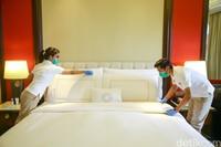 TRANSCARE adalah program agar para tamu merasa aman, kesehatan mereka terjamin dan nyaman tinggal di The Trans Resort Bali juga jaringan hotel Trans lainnya. Program ini bekerjasama dengan BIMC Hospital dan Diversey yang kompeten dalam bidang kesehatan dan kebersihan.
