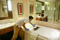 Di dalam TRANSCARE juga ada para heroes. Mereka adalah penjamin kebersihan atau spesialis kebersihan di berbagai bidang, mulai dari makanan hingga kamar.