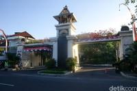 The Trans Resort Bali masih tetap berkesan mewah nan elegan di masa pandemi ini. Namun ada satu tambahan, yakni pelaksanaan protokol kesehatan.
