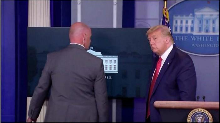 Trump dikawal oleh Agen Rahasia AS (BBC)