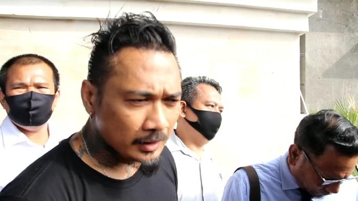Foto Jerinx SID ditahan Polda Bali usai ditetapkan sebagai tersangka ujaran kebencian terkait postingan IDI kacung WHO (dok Istimewa)