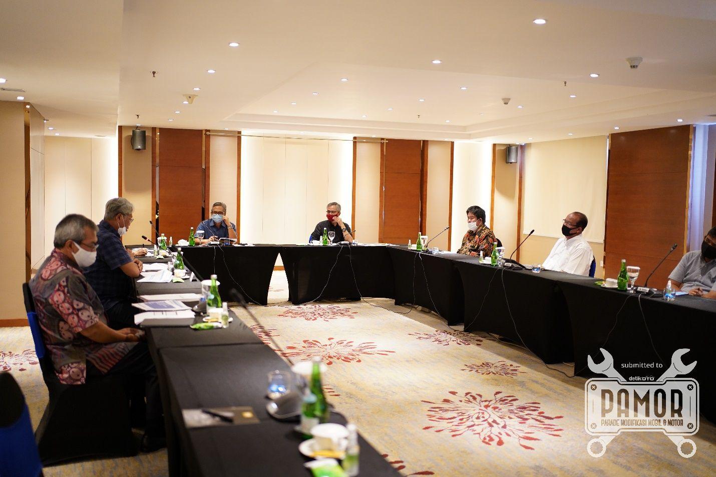 Kunjungan Ketua Dewan Komisioner OJK Wimboh Santoso ke berbagai daerah.