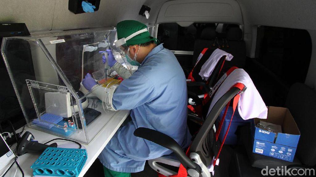 Kekurangan VTM, Cianjur Kebingungan Kejar Target 10 Ribu Test PCR