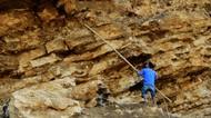 Potret Pemecah Batu Tradisional di Tengah Pandemi