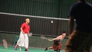 Santri Ponpes Lirboyo Wajib Bersarung Saat Olah Raga Badminton