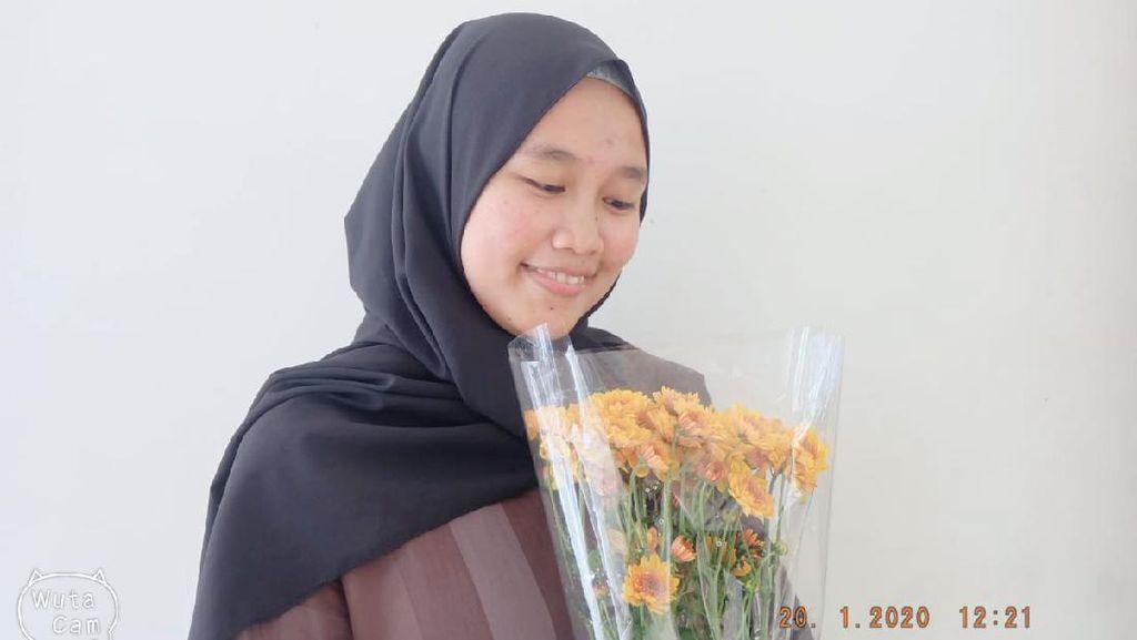 Potret Kenangan Almarhumah Mahasiswi IPK 3,90 Wisuda Digantikan Ortu