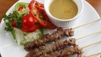 Resep Sate Daging Sapi Bumbu Kacang yang Empuk Juicy