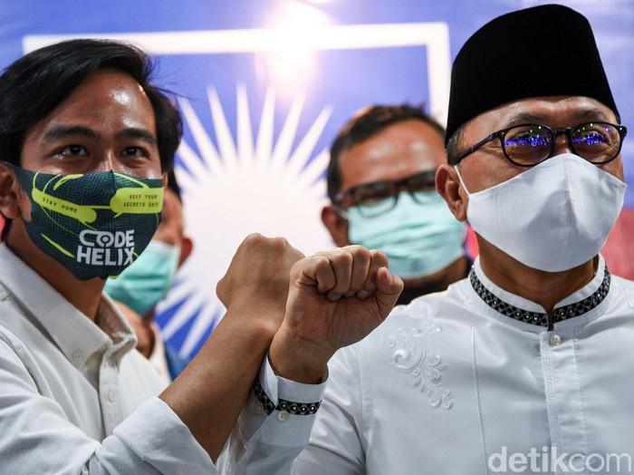 Gibran Rakabuming Raka mendatangi kantor DPP PAN di Jakarta. Kedatangannya untuk menerima SK dukungan dari PAN untuk Pilwalkot Solo 2020.