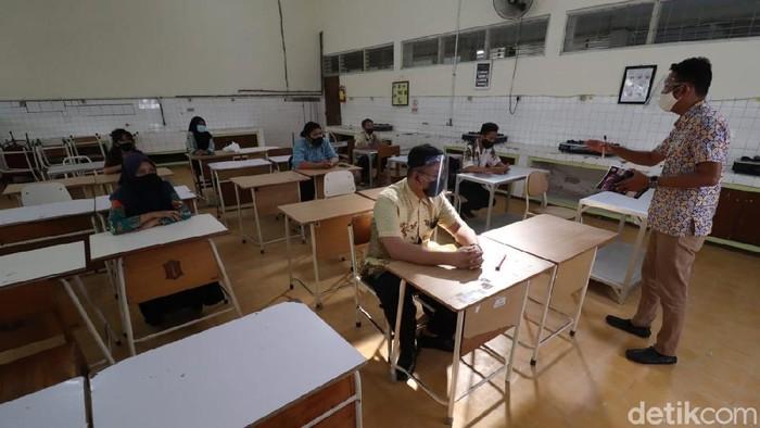SMKN 6 Surabaya Gelar Simulasi Pembelajaran Tatap Muka