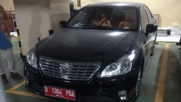 Toyota Crown bekas mobil dinas Bank Indonesia Dilelang Rp 188 Juta