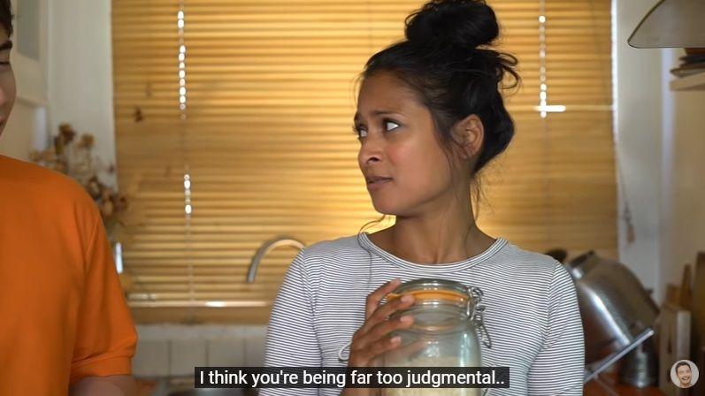Momen Masak Chef 'BBC Food' dengan YouTuber yang Protes Caranya Masak Nasi