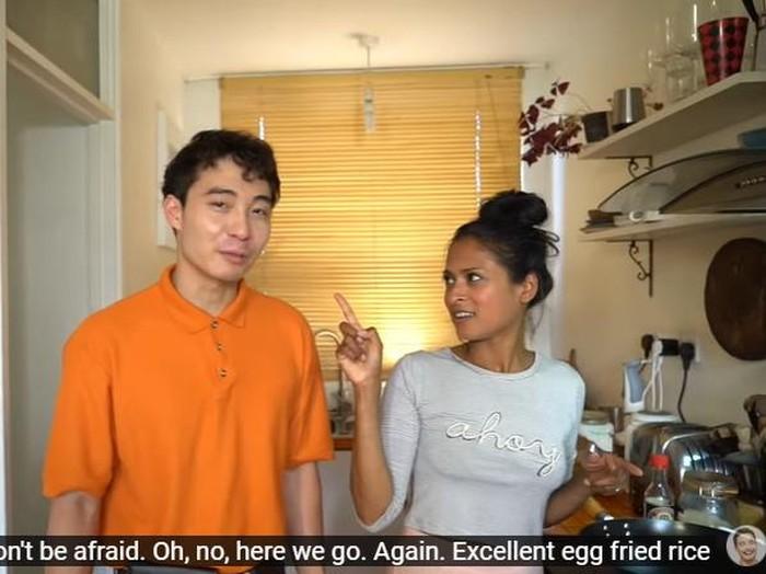 Momen Masak Chef BBC Food dengan YouTuber yang Protes Caranya Masak Nasi