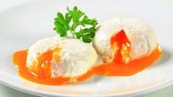 3 Cara Bikin Poached Egg Mulus dan Leleh dari Jamie Oliver