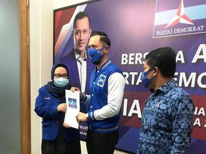 AHY serahkan rekomendasi bakal calon bupati Batanghari (dok. Istimewa)