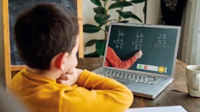 "Homeschooling"" untuk Pendidikan Masa Pandemi"