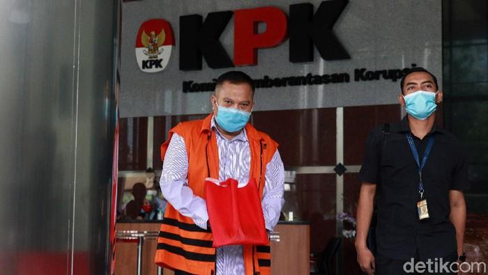 Eks Kalapas Sukamiskin Deddy Handoko menjalani pemeriksaan di KPK. Ia diperiksa terkait kasus suap di Lapas Sukamiskin.
