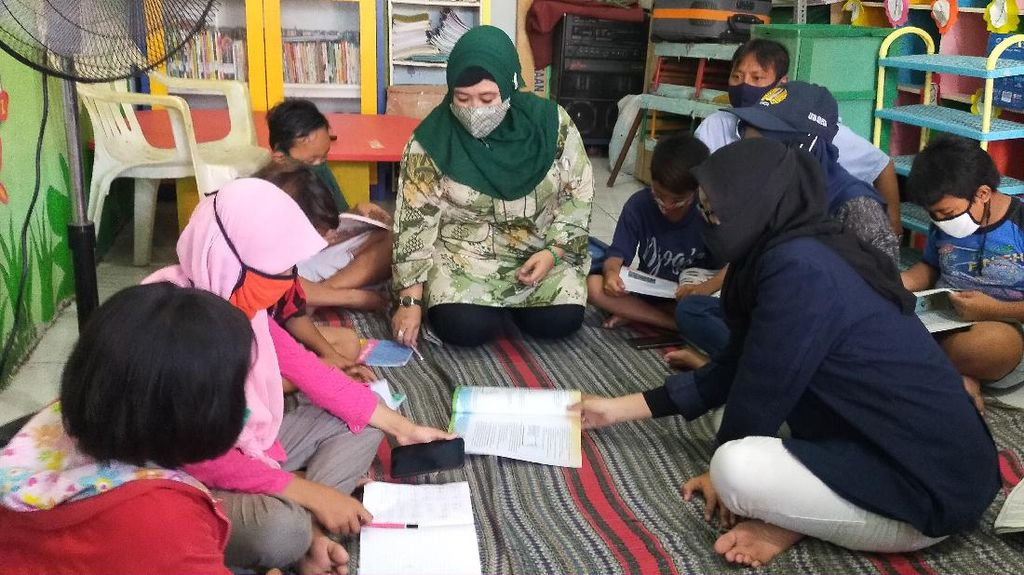 DPRD Surabaya Desak Pemkot Tambah Subsidi Internet untuk Anak Miskin