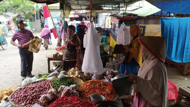 Emak-emak pedagang pasar Wage stress gara-gara Corona