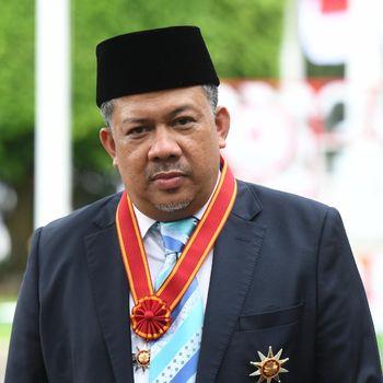 Wakil Ketua DPR periode 2014-2019 Fahri Hamzah berjalan usai mengikuti Upacara Penganugerahan Tanda Kehormatan di Kompleks Istana Kepresidenan, Jakarta, Kamis (13/8/2020). Negara menganugerahkan Tanda Kehormatan Bintang Mahaputera Nararya kepada Fahri Hamzah yang disematkan oleh Presiden Joko Widodo. ANTARA FOTO/Hafidz Mubarak A/wsj.