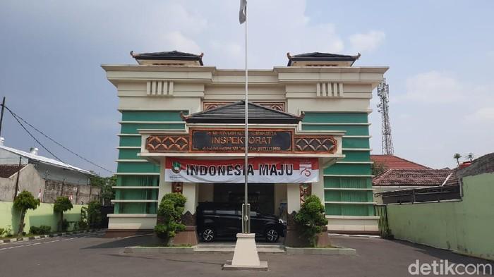 Gedung Inspektorat Solo, Jalan Adi Sucipto, Solo, Kamis (13/8/2020).